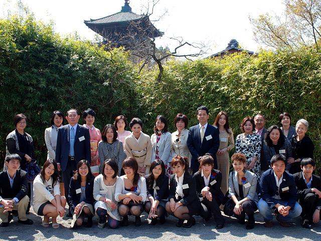 members-graduates-img1