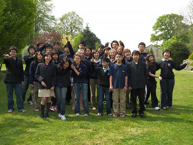 members-graduates-img2